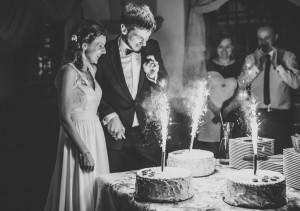 fajerwerki na torcie ślubnym