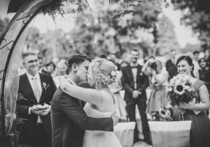 pierwszy pocałunek poslubie