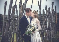 fotograf lubin, fotograf jelenia góra, fotograf głogów, fotograf legnica. całująca się para młoda