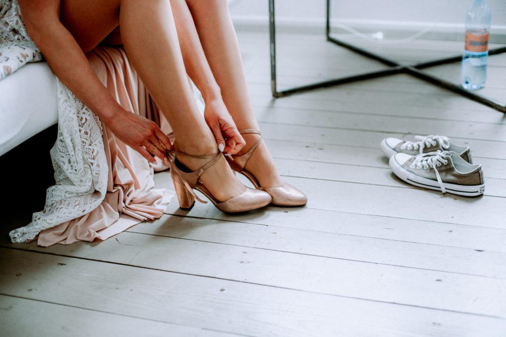 zapinanie butów